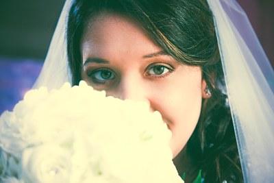 Fotografo Caserta - Occhi Sposa con bouquet